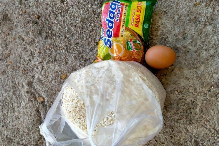 Kesal Dapat Bantuan 1 Telur & Sebungkus Mi Instan,Korban Bencana NTT: Ini Lelucon
