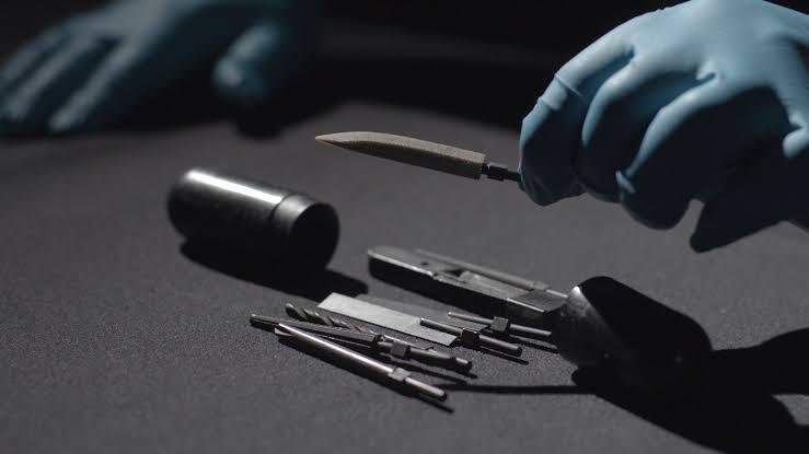 Rectal Tools, Alat Untuk Kabur Yang Disembunyikan Di 'PANTAT' oleh Para Mata-mata