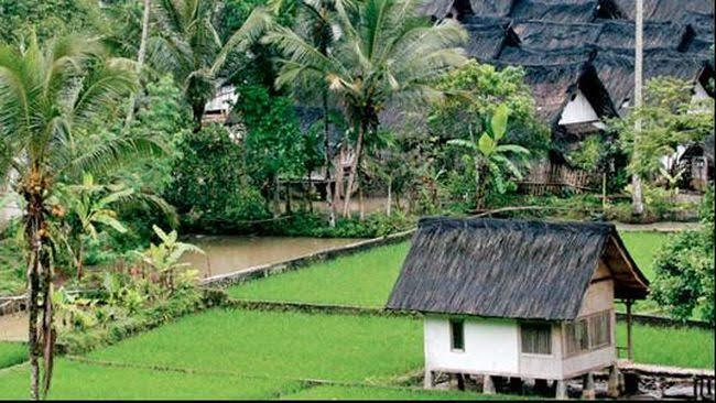 Kampung Naga Tasikmalaya, Perkampungan Unik Tanpa Listrik Pelestari Adat dan Budaya!