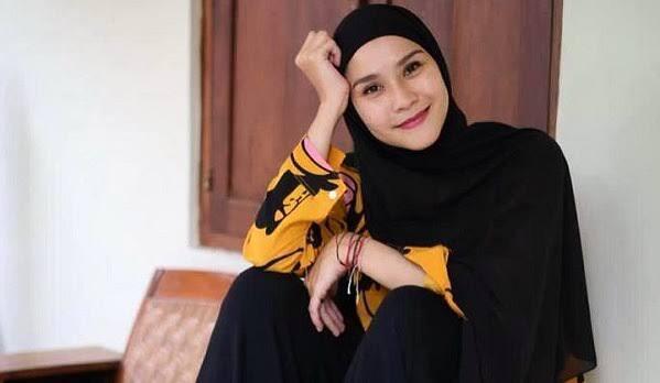 Zascia Mecca Terganggu Oleh Toa Masjid Saat Sahur, Risih Amat Neng!