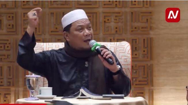 Istana Jawab Alasan Ustadz Yahya Waloni Tak Ditangkap: Kriminalisasi Ulama