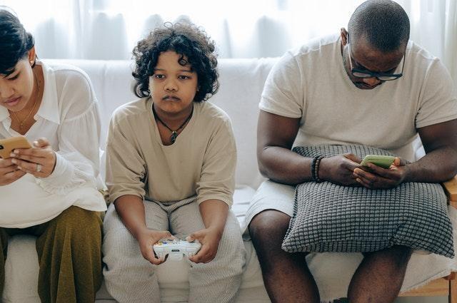 Paket Akrab dari XL yang Satukan Perbedaan dalam Satu Keluarga