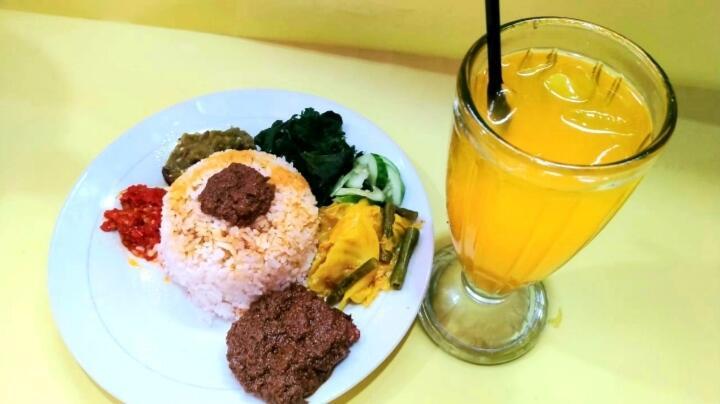Menikmati Masakan Padang di RM Padang Cinto Raso 313, Khas Minang Favorit