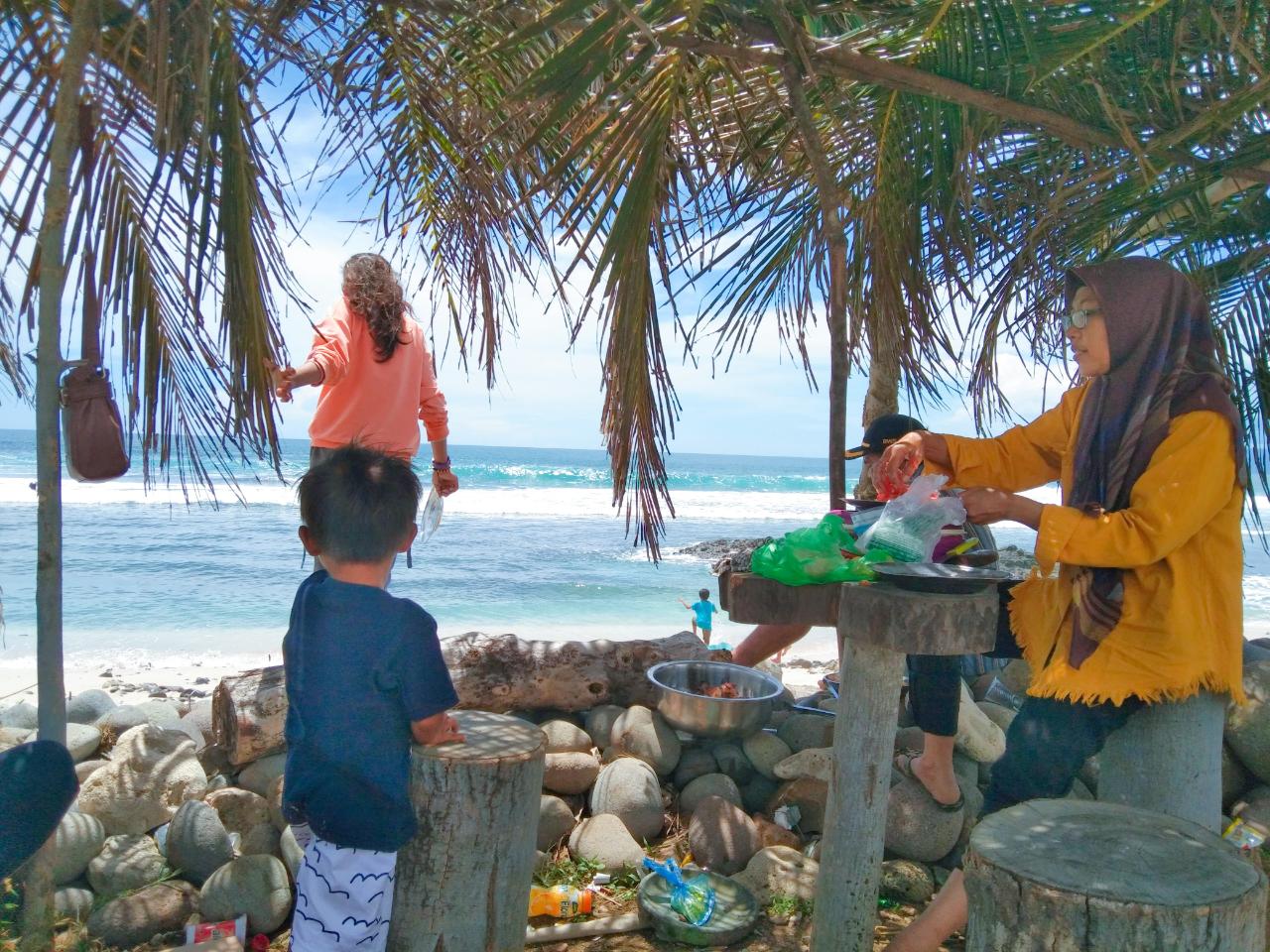 Lakey Beach, Salah Satu Tempat Paling Kurindukan di Hari Libur Lebaran