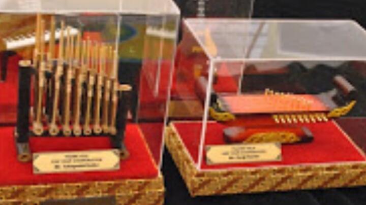 Cari Souvenir Kesenian Berkualitas Premium? Produk Kreatif Buatan Tidiart Bandung