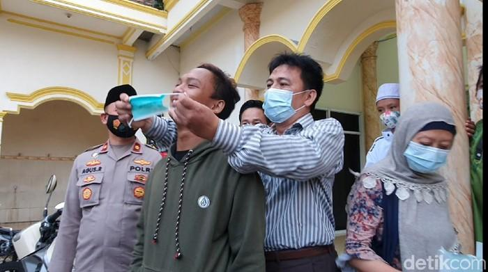 Kala Orang Antimasker di Surabaya dan Bekasi Dinobatkan Jadi Duta Masker