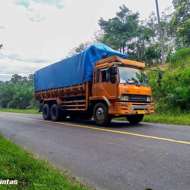 Mengenal Mitsubishi Fuso 220PS, Truk Oranye Legendaris Andalan Untuk Angkutan Barang