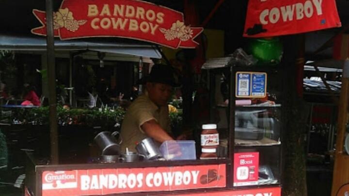 Kelezatan Manis Gurih Bandros Khas di Bandros Cowboy Cisangkuy