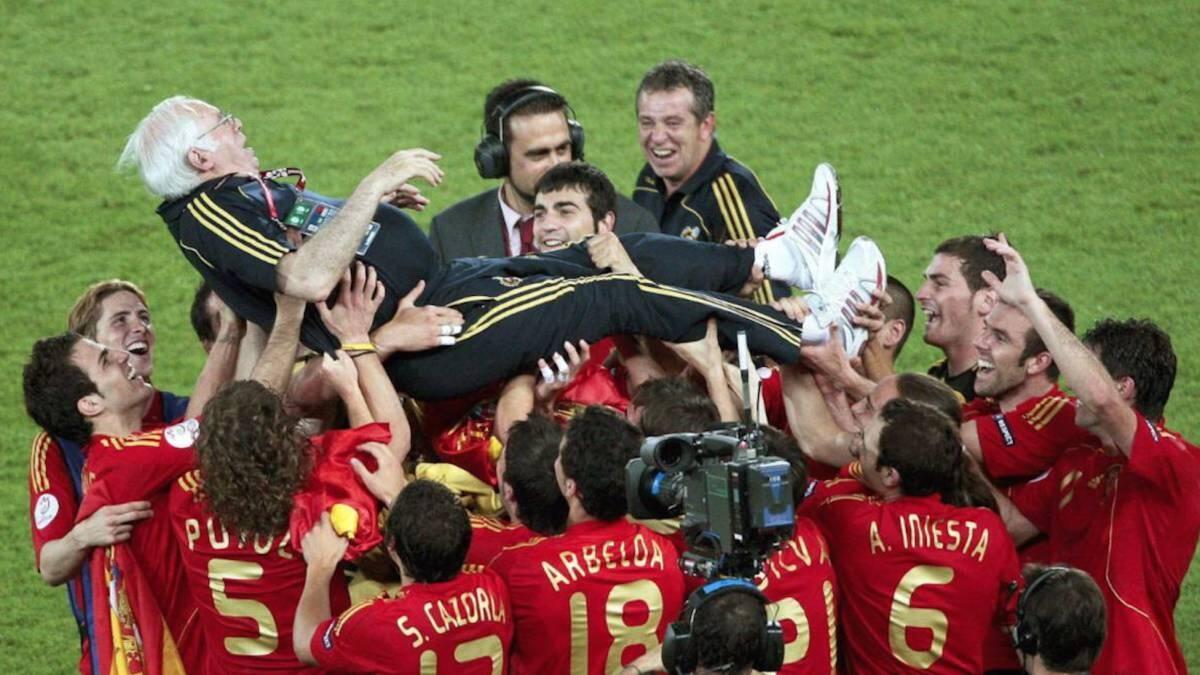 Luis Aragones, Sosok Pemain, Pelatih Dan Kebangkitan Timnas Spanyol