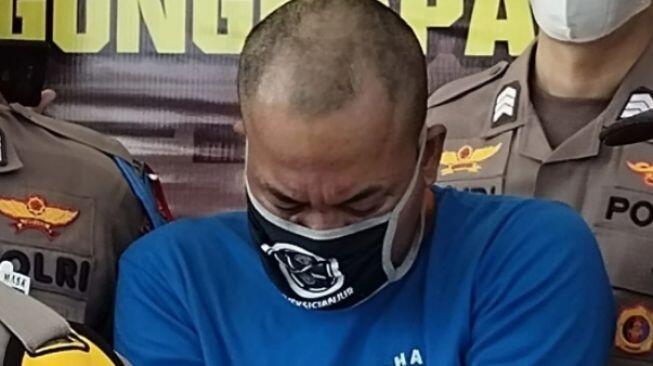 Dibekuk di Hutan, Dede Pembakar Mantan Pacar di Cianjur Nangis Tersedu-sedu