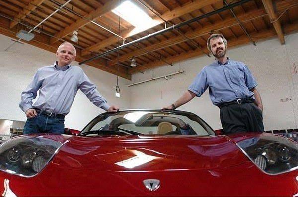 Toyota vs Tesla, Siapa Pemenangnya?