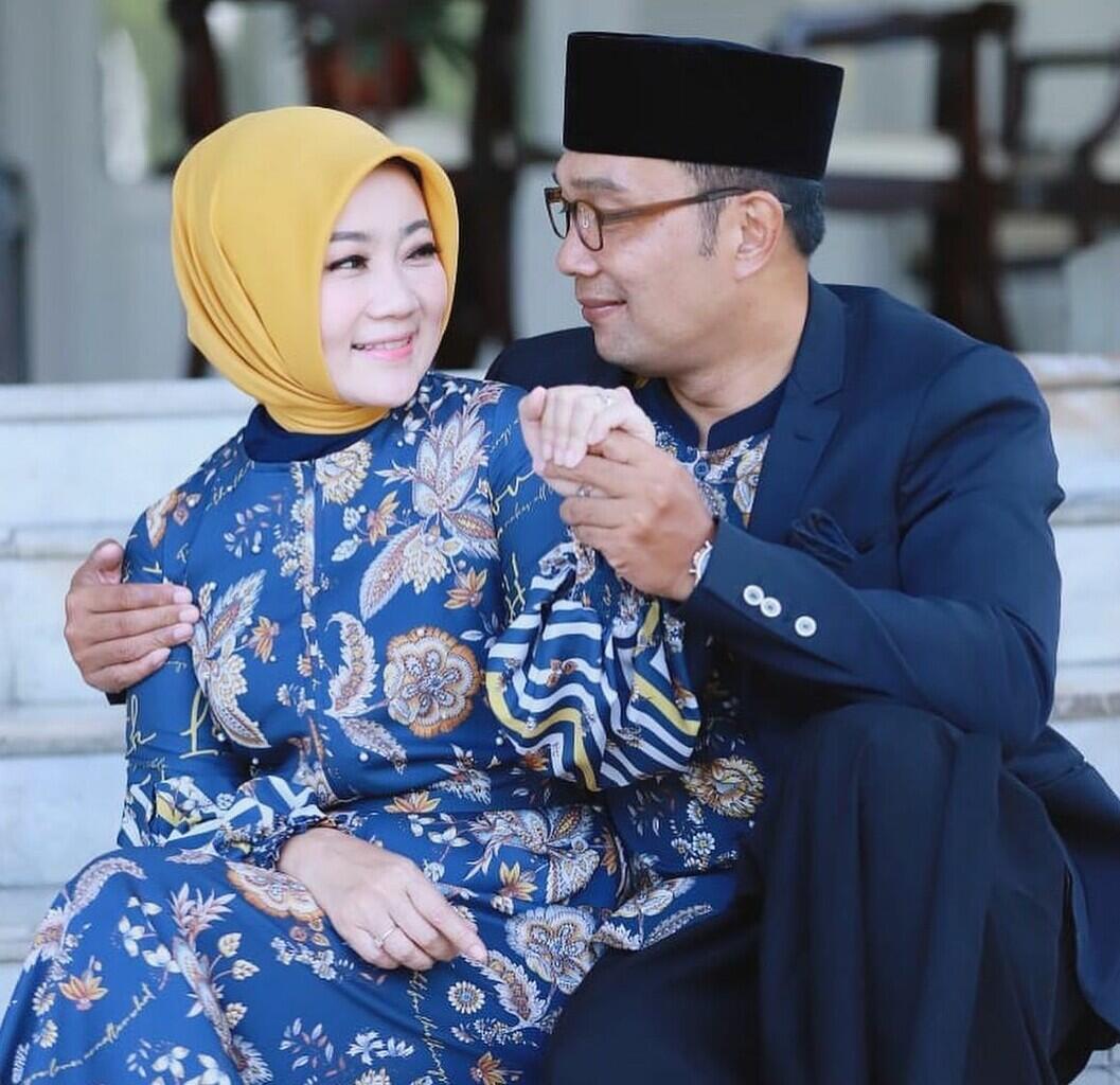 Makna Pakaian Lebaran Keluarga Anies Baswedan Versus Ridwan Kamil
