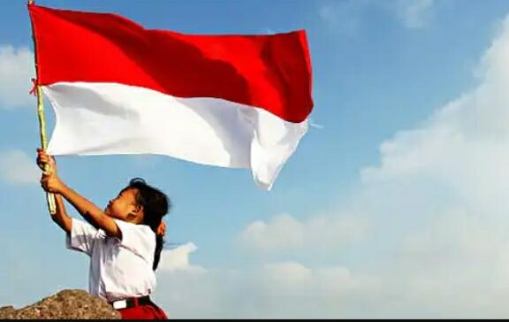 Inilah Para Bule yang Bikin Agan Cinta dan Bangga dengan Keunikan Indonesia