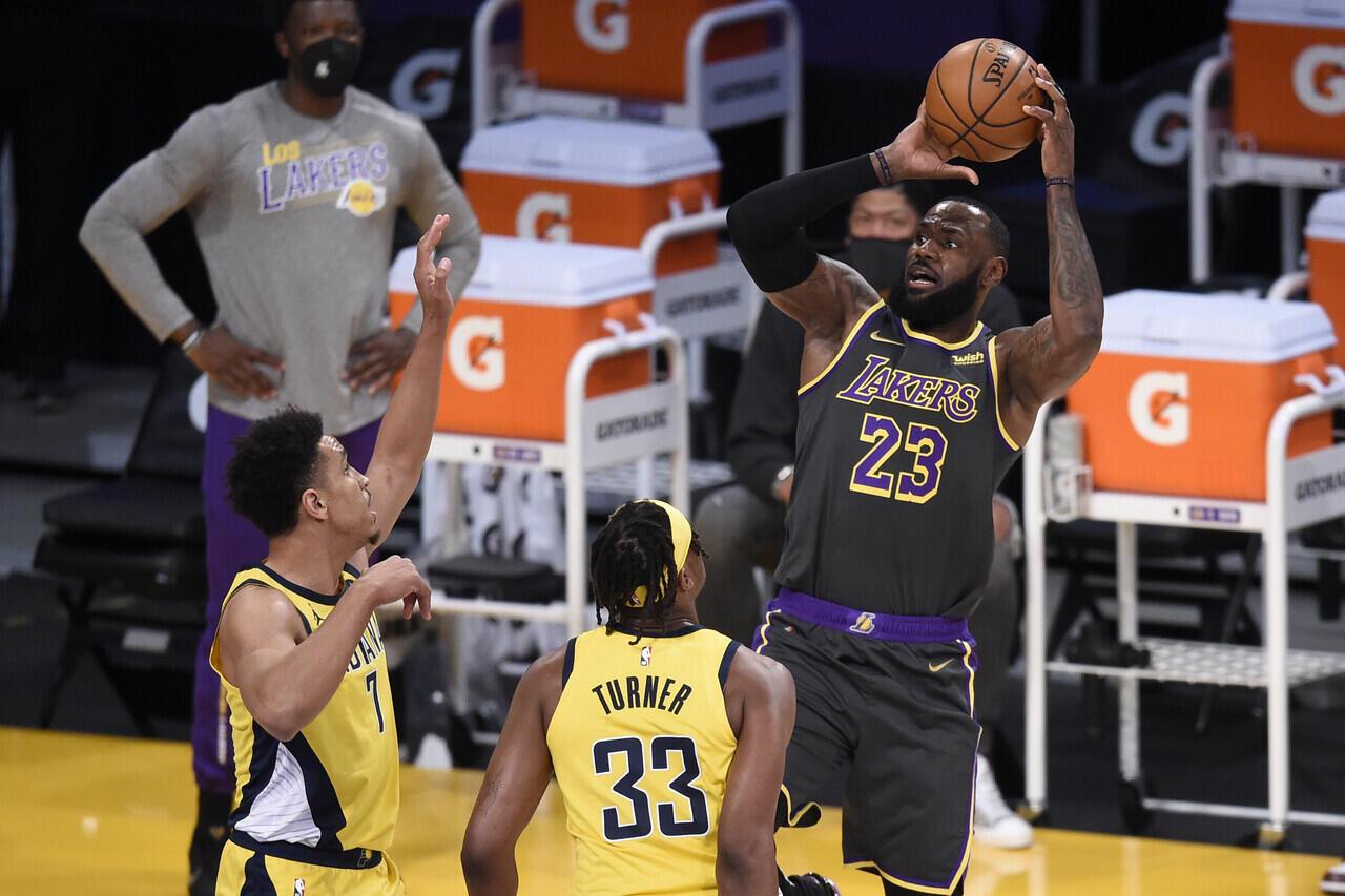 LeBron is Back! LA Lakers Kalahkan Indiana Pacers 115-122