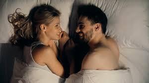 Pillow Talk, Cara Ampuh Bikin Hubungan Makin Mesra. Yuk Simak Tipsnya!