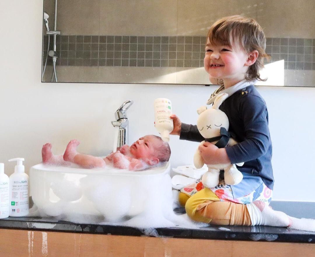 Bertanya Keadaan Anak, Ibu Malah Dikirimi Foto yang Bikin Khawatir