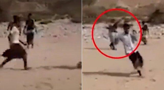 Ngakak, Wasit Sepak Bola Kampung di Yaman Gunakan AK-47 Untuk Pengganti Pluit