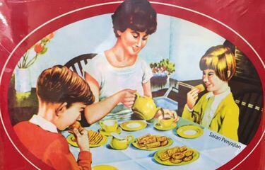 Tidak Ada Gambar Ayah Dalam Kaleng Biskuit Khong Guan, Ternyata Ini Alasannya!