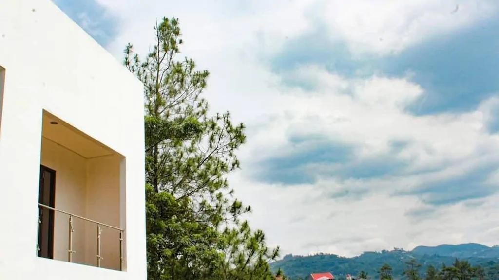 Are You and I Bed & Breakfast, Hotel 300 Ribuan dengan View Instagram able, Apik!