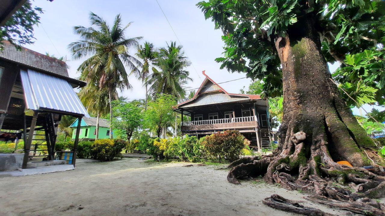 Belajar Menikmati Hidup di Pulau Kapoposang