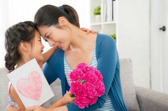 Gak Butuh Digombalin, Inilah Bukti Cinta Orang Tua Pada Buah Hati