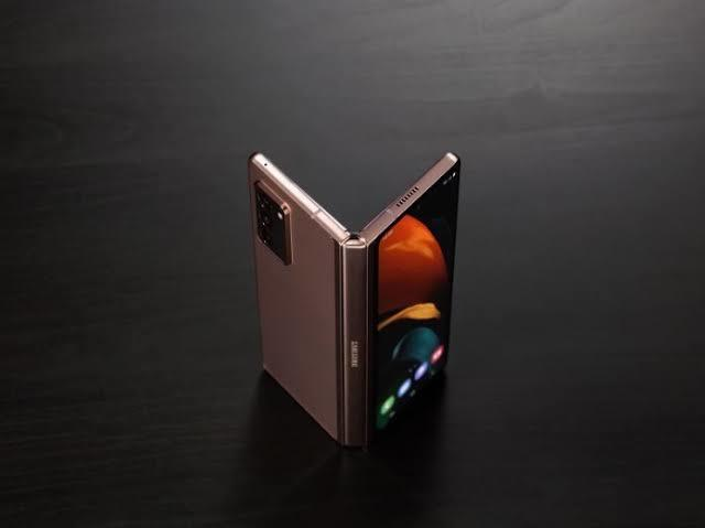 Rumor Kamera Dibawah Layar Samsung Z Fold 3 dan Bocoran Spesifikasinya