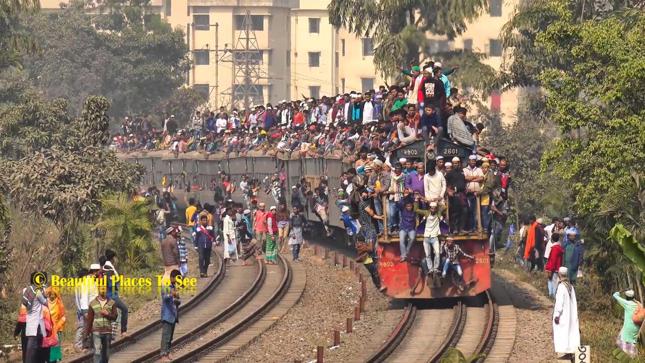 Bertaruh Banyak Nyawa Di Angkutan Umum: Kereta Api Atau Kereta Manusia