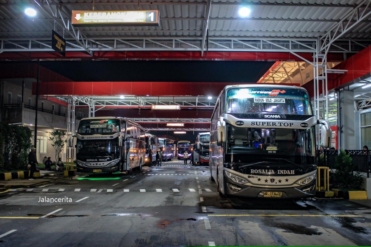 Kenapa Di Indonesia Jumlah Bangku Bus Lebih Banyak Di Sebelah Kanan?