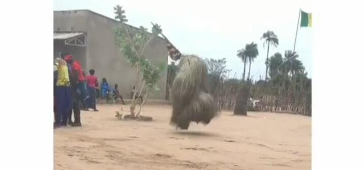 Ngeri, Viral Boneka Jerami Menari Tanpa Manusia Ternyata Praktik Voodoo di Afrika