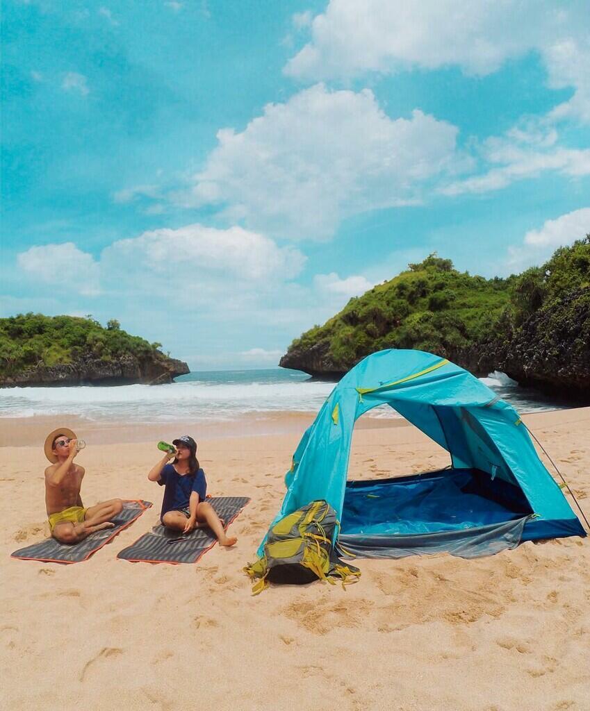 10 Tempat yang Bagus Buat Camping Bareng Pacar Check!