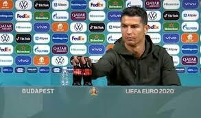 Saham Coca-Cola Langsung Anjlok, Karena Botolnya Digeser Ronaldo