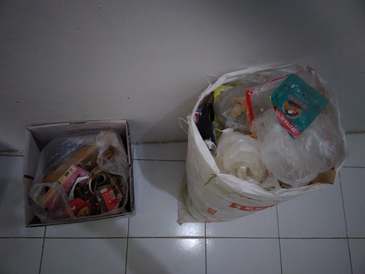 Menjalani Komitmen Selama 112 Minggu Mengkondisikan Sampah Plastik Sendiri