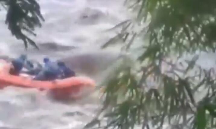 Viral Video Pemancing Terjebak Arus Deras di Tengah Sungai Serayu, Ini Kronologisnya
