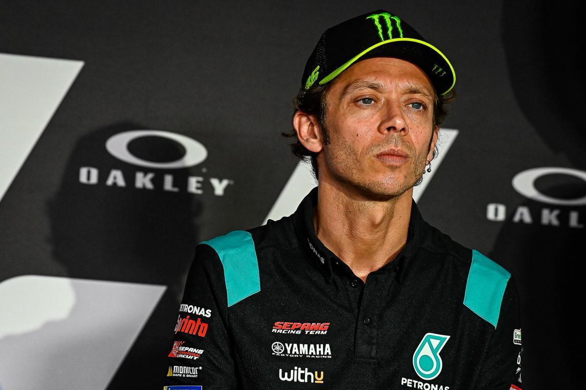 Pensiun dari MotoGP, Valentino Rossi Berencana Ikutan Balap Mobil