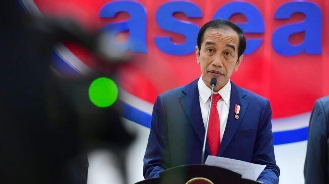 Hari Ini Ulang Tahun Jokowi Ke-60, Artis Ramai Ucapkan Selamat dan Doa