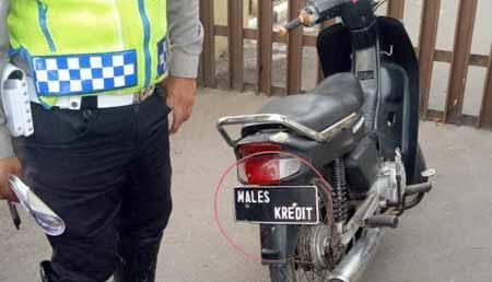 Akhirnya Terkuak, Ternyata Begini Cara Polisi Membedakan Plat Palsu Dari Jarak Jauh!
