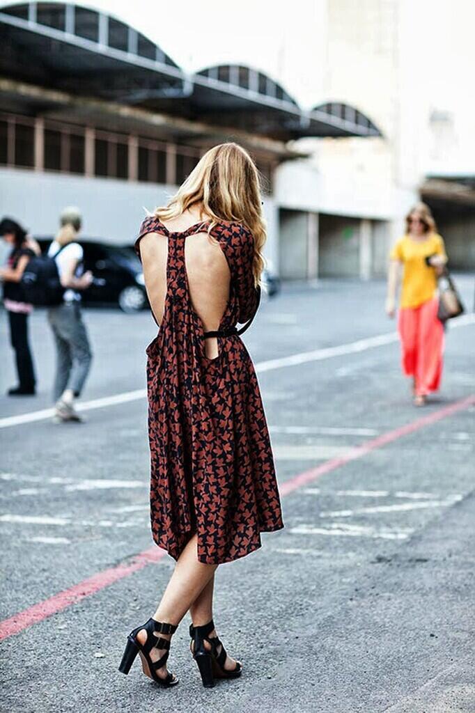 BUAT YANG BERANI TAMPIL SEKSI, Inilah Tips Tetap Nyaman Pakai BACKLESS DRESS