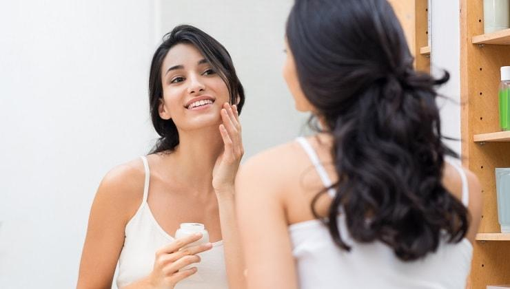 Urutan Pemakaian Skincare yang Benar Untuk KULIT BERJERAWAT. Pagi Hingga Malam Hari.