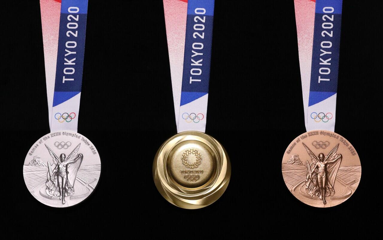 Tujuh Cerita Menarik Dari Medali Pertama Indonesia di Tokyo