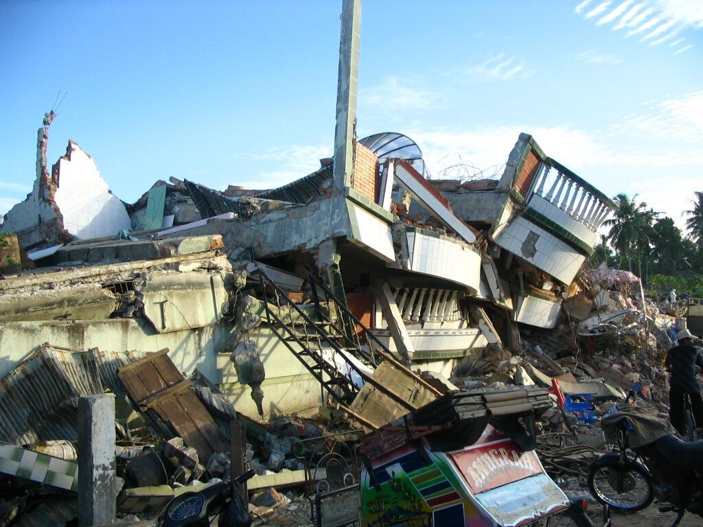 Mengerikan 9 Gempa Bumi Dan Tsunami Besar Yg Pernah Terjadi di Indonesia