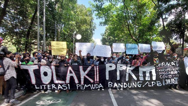 Buat Apa Sih Kita Ikut Demo?
