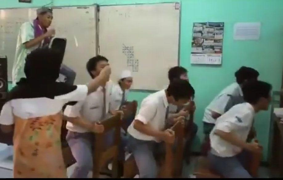 Beredar Video Kompilasi Keseruan Sekolah Tatap Muka, Adakah yang Rindu Momen Ini?