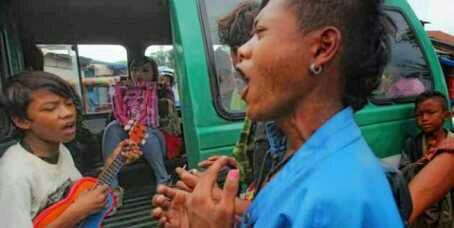 Bikin Geleng-geleng Kepala, Hal-hal Aneh yang Ada di Indonesia!