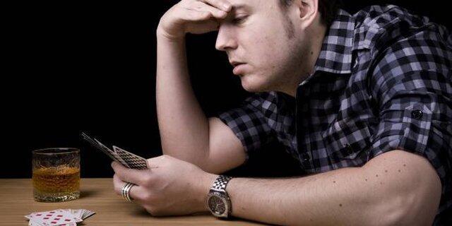 3 Kebiasaan Buruk yang Bisa Membuat Hancurnya Kehidupan Seorang Laki-laki, Apa Saja?