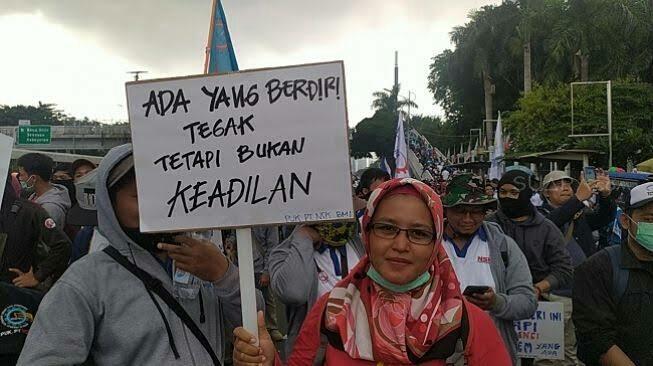 Anggota DPR Kena Corona Boleh Isoman di Hotel, Biaya Ditanggung Negara, Rakyat Sabar!