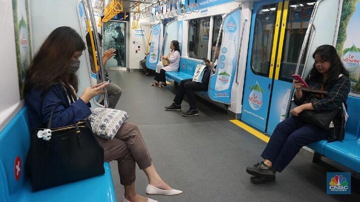 PPKM Effect Memang Dahsyat, Penumpang MRT Ambrol Parah!
