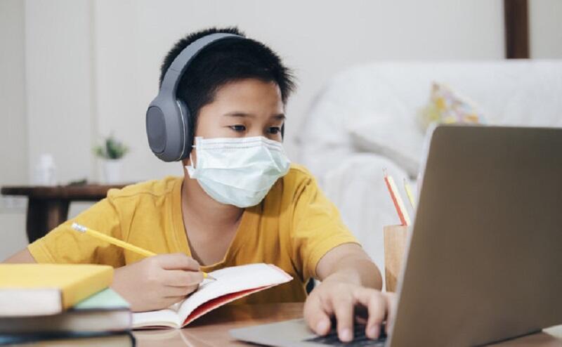Drama Sekolah Online yang Dialami Anak dan Orang Tua Setiap Hari, Apakah Ini Baik?