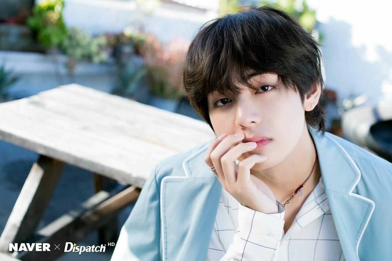 4 Kebiasaan Member BTS Saat Mandi, Jin Paling Ajaib