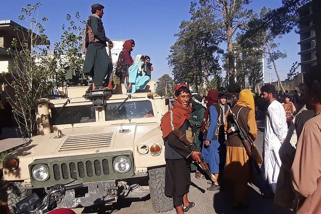 """Ditinggal Pasukan Afghanistan, Taliban Mendapatkan Drone ScanEagle """"Secara Gratis"""""""