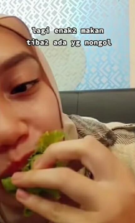 Hati-hati Makan Sayur Mentah, Jangan Sampai Mengalami Nasib Seperti Gadis Ini!